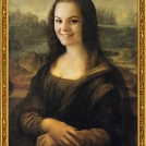 "Fotomontáž obrazu <b>Mona Lisa</b> od Leonarda da Vinci, více o fotomontáži naleznete v <a href=""http://malebno.cz/originalni-fotomontaze-tvare-studentu-v-historickych-obrazech/"">tomto příspěvku</a>. <br> Photomontage of <b>Mona Lisa</b> by Leonardo da Vinci, more in <a href=""http://malebno.cz/en/originalni-fotomontaze-tvare-studentu-v-historickych-obrazech/"">this post</a>."