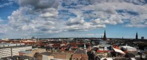 Dánské hlavní město Kodaň, panorama Kodaně, výhled z věže Rundetaarn