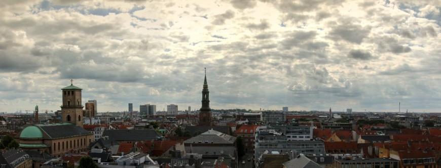 Panoráma Kodaně v Dánsku, foceno z vyhlídky Rountower