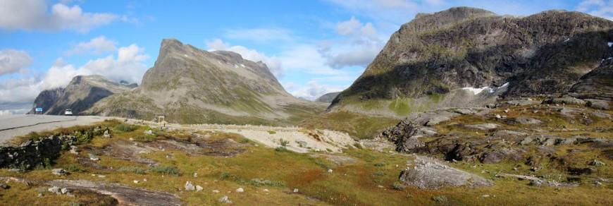 Norské panorama hor a mraků - překrásná krajina Norska