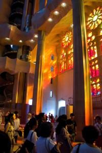 Sagrada Família je plná turistů